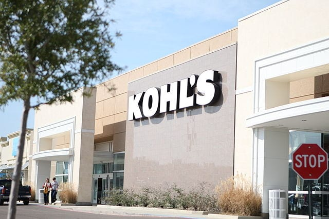 The front entrance of a Kohl's location.